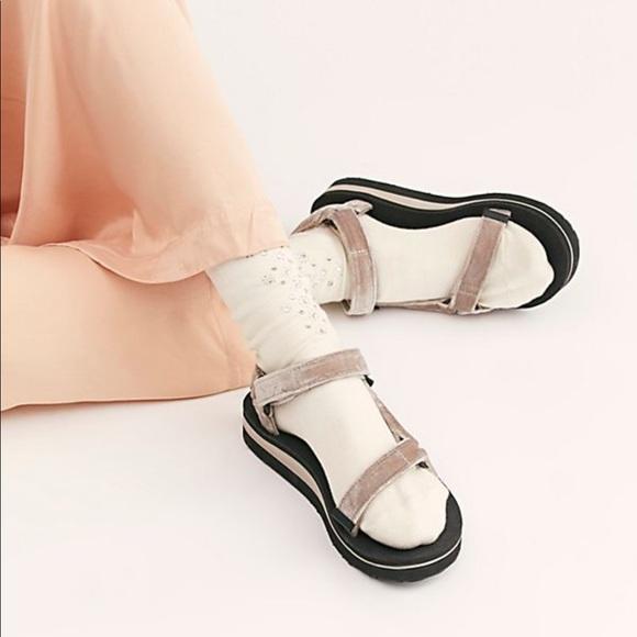 d64cf05cebf5 Teva midform universal sandal